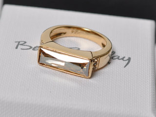 Ring fra Betty Barclay.
