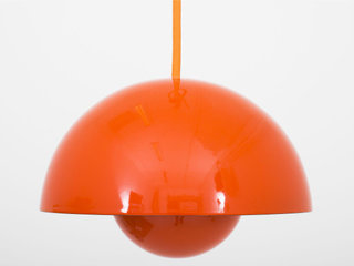 Orange/rød Verner Panton.
