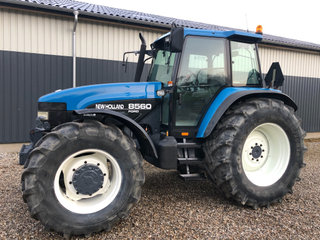 NewHolland8560
