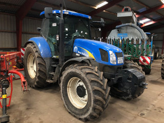 New Holland TS135A SS PLUS