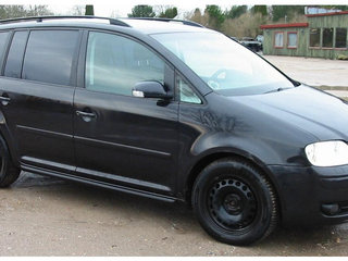 VW Touran 2,0 TDI DSG