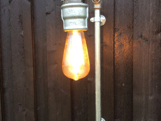 Lampe. Walllamp / pipe.