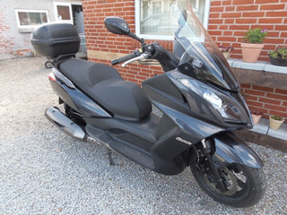 Kymco Downtown 301 ABS Maxiscooter - 9982 Ålbæk