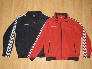 To Hummel jakker/windbreaker i sort og rød
