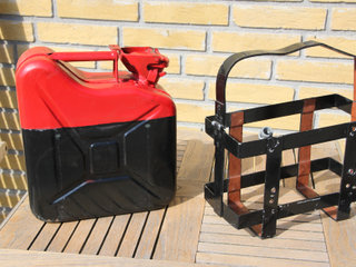 Jerry can 5L m/holder
