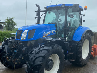 New Holland t6-175