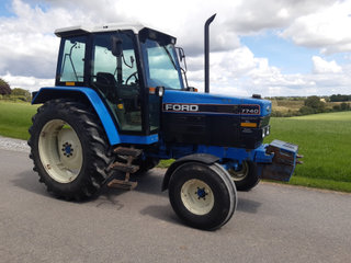 Ford New Holland 7740 - Moms fri
