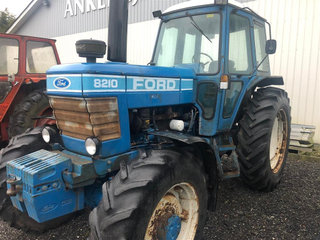 Ford 8210 4 WD