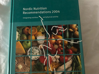 Nordic Nutrition Recommendations 2004