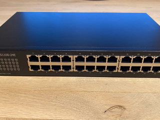 ZyXEL GS1100-24E switch