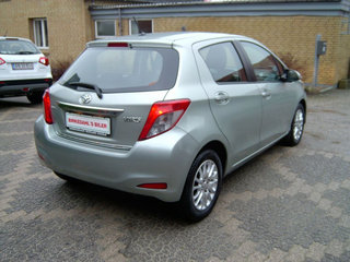 Toyota Yaris 1,3 VVT-i T2 Touch - 5