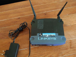 Linksys WiFI router 2.4 ghz