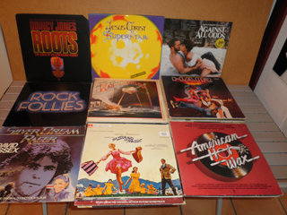 Samling LP'er med soundtracks, bl.a. Chess og Hair