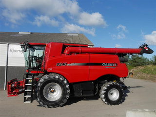 Case IH Axial Flow 8240  - 2