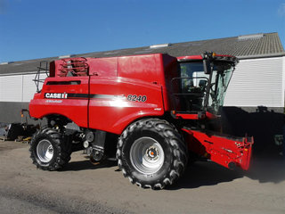Case IH Axial Flow 8240  - 5
