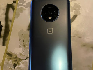 Oneplus 7t med cover
