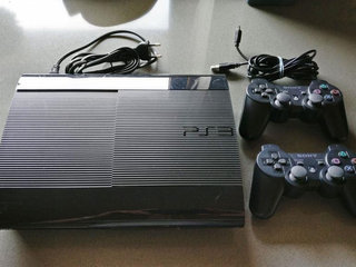 PlayStation 3 - PS3 med 2x controller