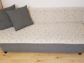 Moving out and selling my sofa bed