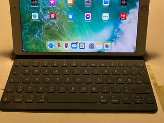"Apple iPad Pro 10,5"" 64 GB Wifi og tastatur?"