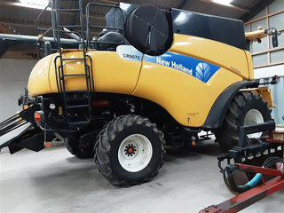 New Holland 9070