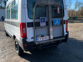 Bus/Handicap m lift - 5