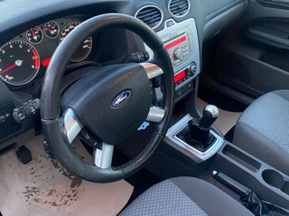 Ford Focus 1,6 Ghia Collection - 5