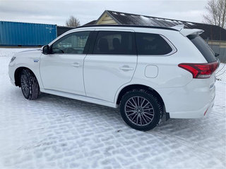 Mitsubishi Outlander 2,4 PHEV Instyle S Edition  4WD 224HK 5d - 2