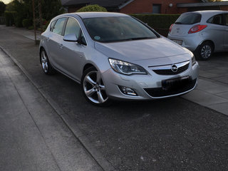 Opel Astra 1,6 180 T