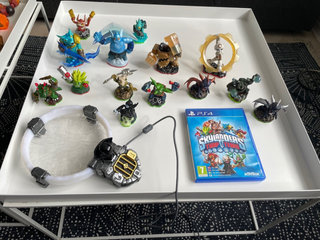 Skylanders trap team med 14 figurer