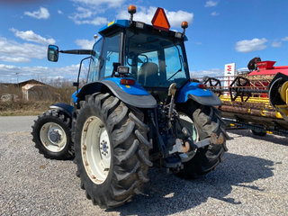 New Holland 8260 DL  med frontlift  - 4