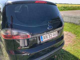 Ford x-Max 7 personer